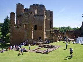 Kenilworth Castle grounds