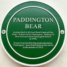 Sign commemorating Paddington Bear's significance on Platform 1