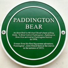 Sign commemorating Paddington Bear's significance on Platform 1
