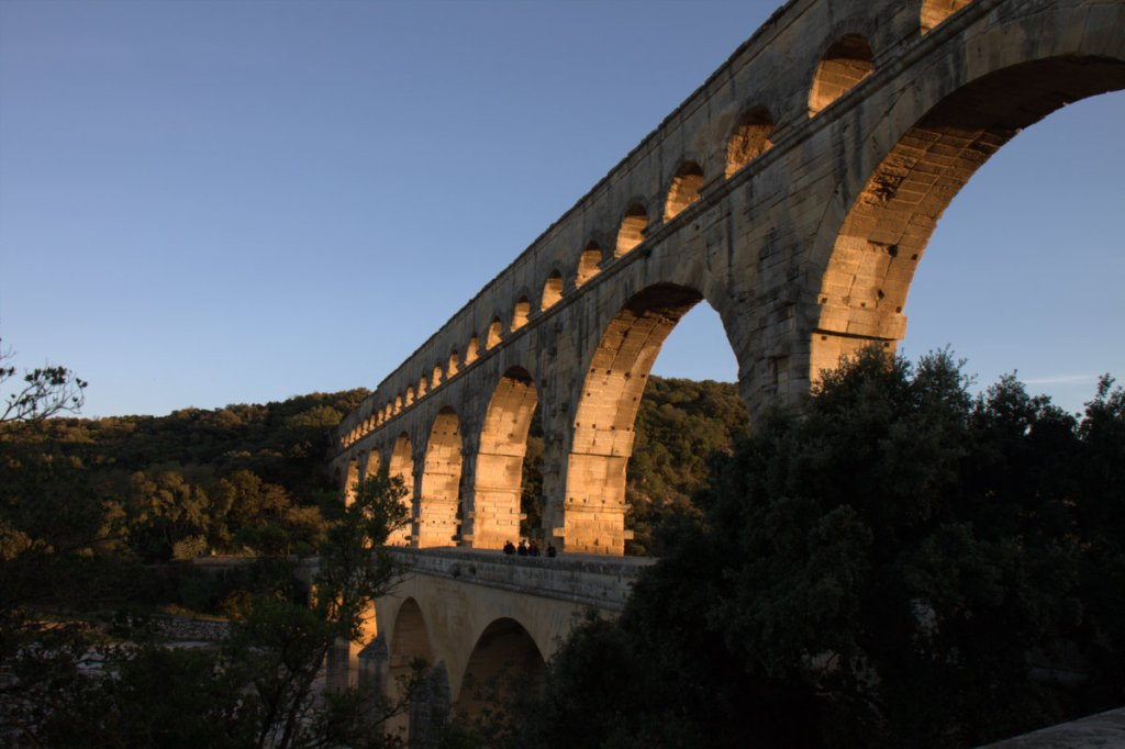 aqueduc pont du gard in daytime