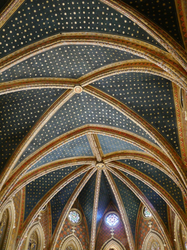 Teruel - Case de los Amantes - starry ceiling of the church